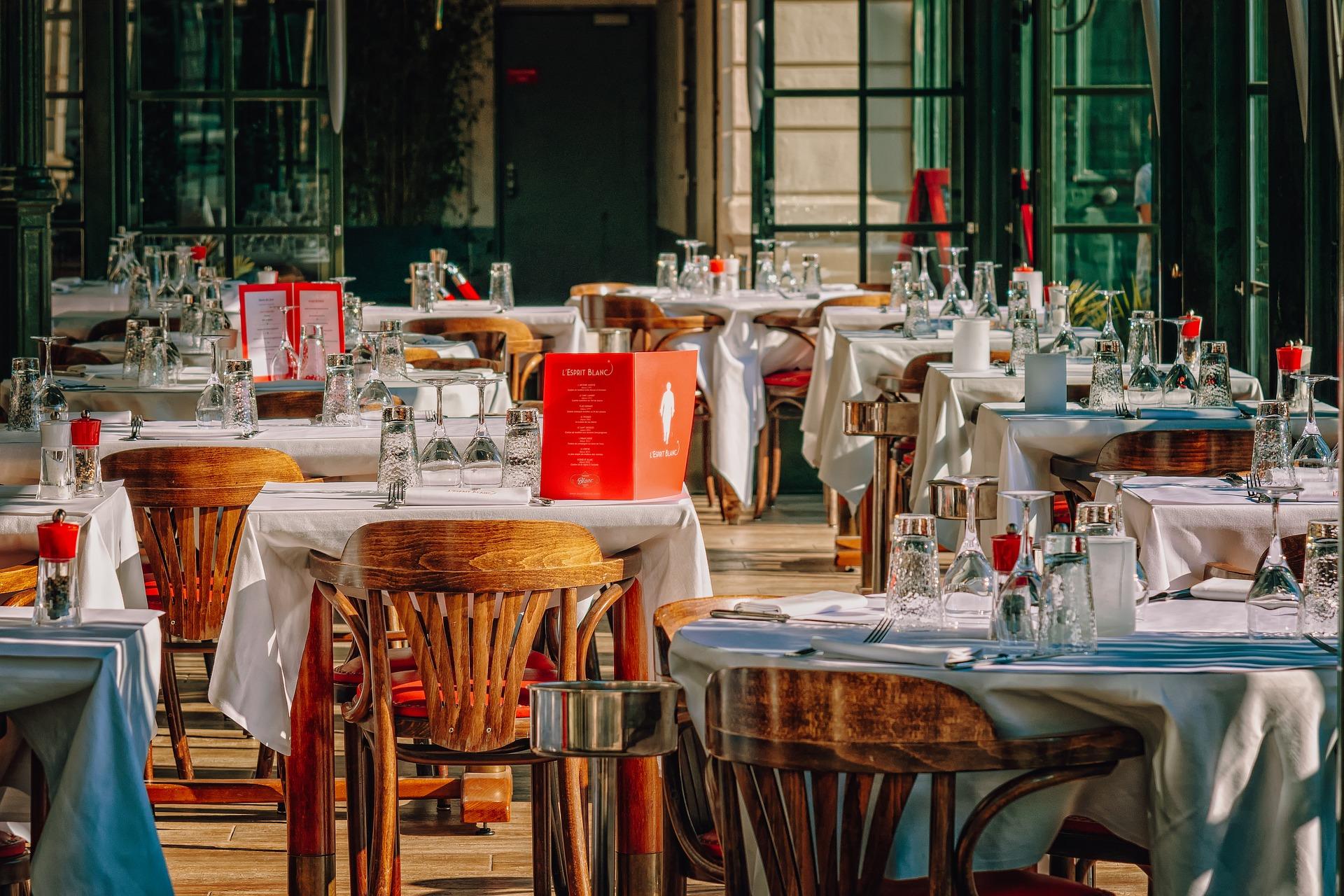 Savourez la cuisine du lagon dans les innombrables trattorias, bacari et restaurants gastronomiques de la ville