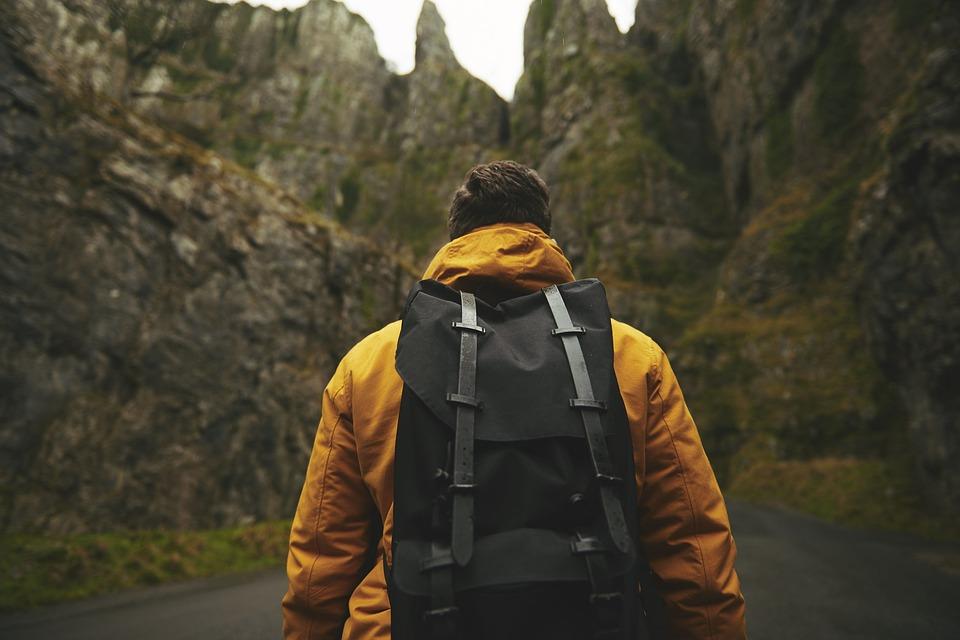 La randonnée pédestre apporte autant que le jogging